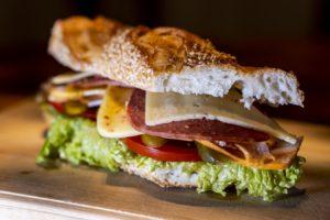 Un sandviș apetisant