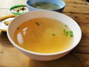 Farfurie cu supă de oase