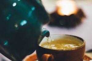 Ceainic plin cu ceai verde