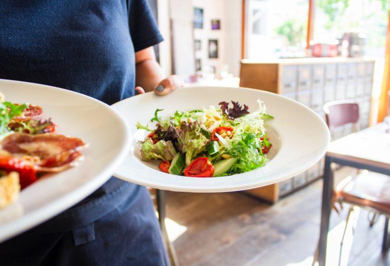Salată sănătoasă recomandată de nutriționist