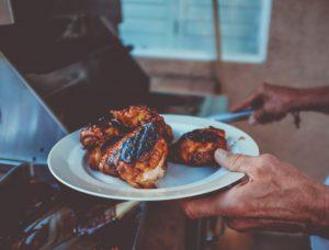 Aripioare de pui gătite pe grătar