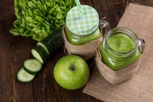 Sucul de mere este indicat atunci când întâmpinați probleme la stomac