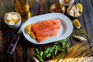 Somonul este un aliment recomandat pentru pierderea in greutate