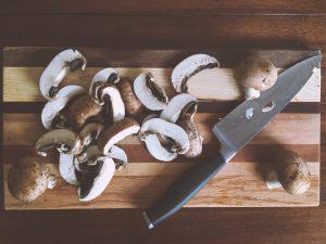 Ciuperci tăiate felii