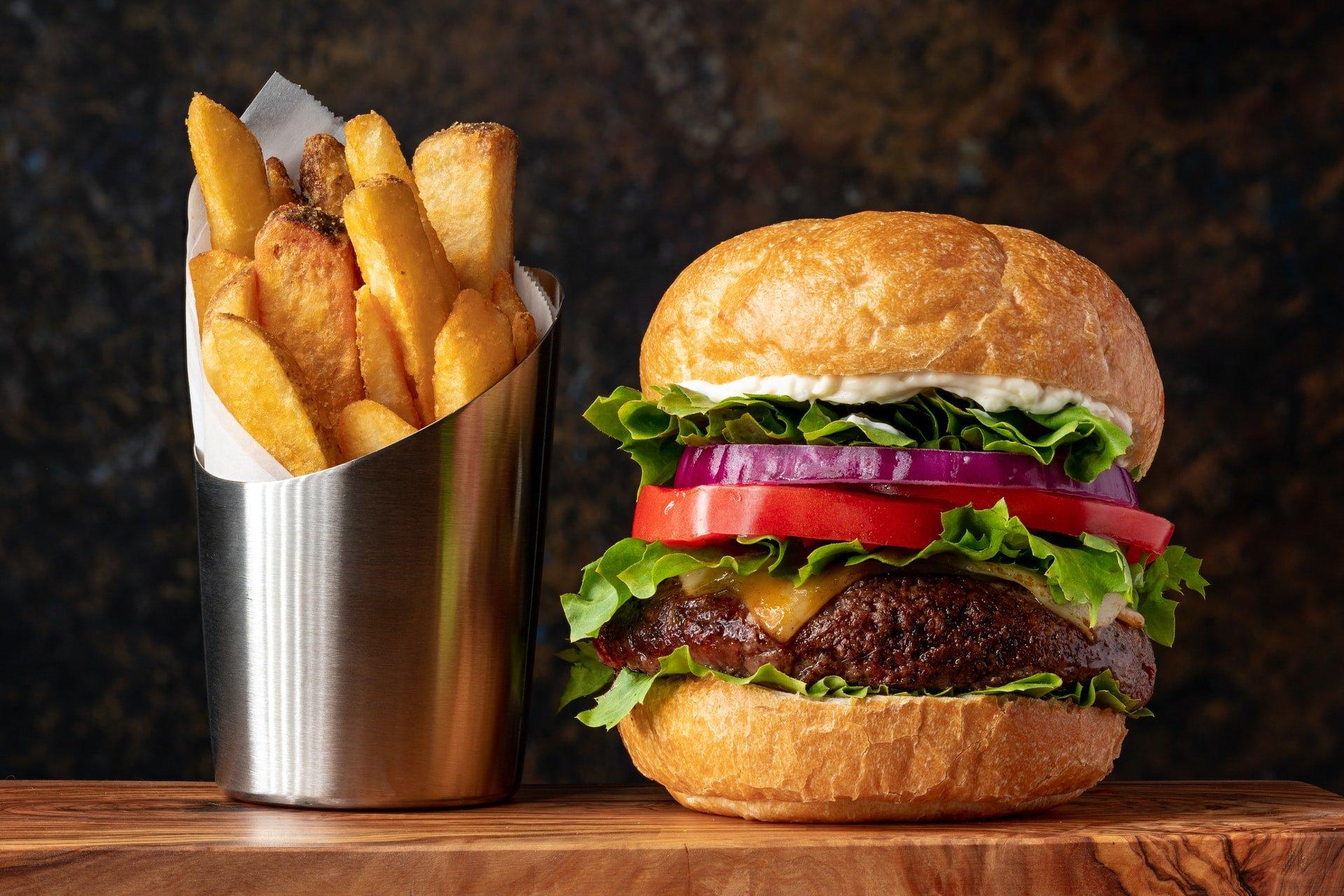 Hamburger Nutriție și informații de sănătate