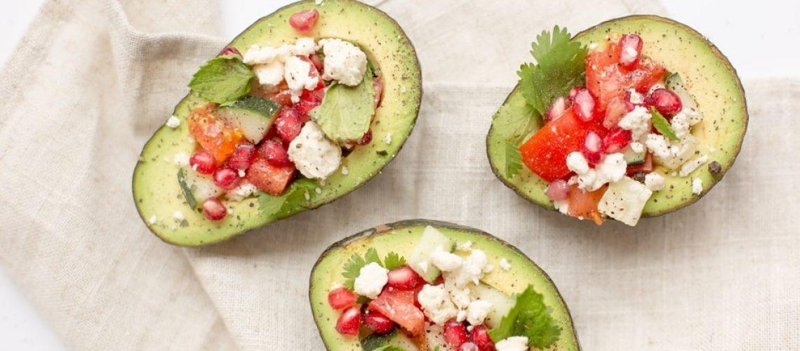 Avocado este o sursă excelentă de grăsimi sănătoase