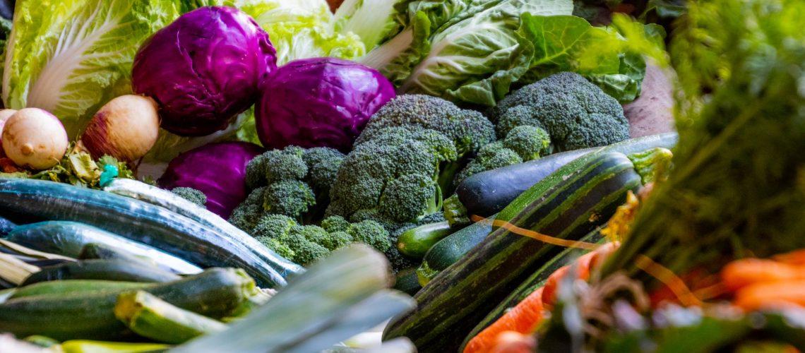 Diferite legume bogate în polifenoli și sărace în carbohidrați