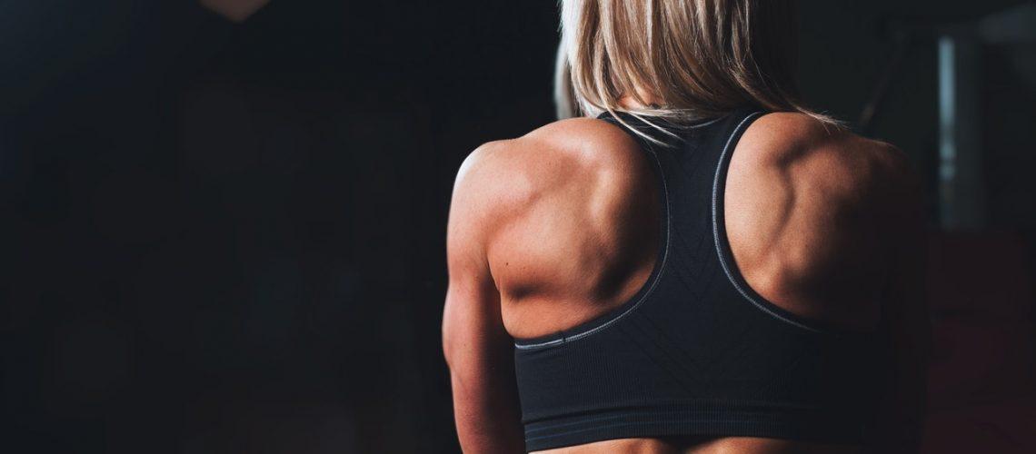 cum să slăbească umerii musculari