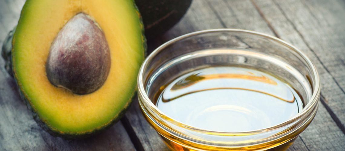Ulei de avocado și fructul avocado